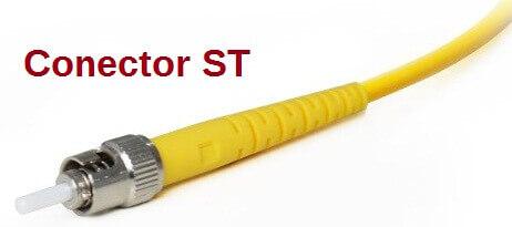 Conector de punta recta o Straight Tip (ST).